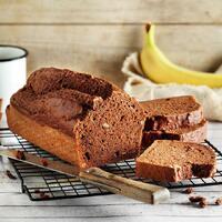 """Wie könnte man besser in die neue Woche starten als mit einem richtig saftigen Bananenbrot? 🍞 Frisch aus dem Ofen, einfach pur oder mit leckerem Aufstrich ist es eine perfekte Mahlzeit. Wer es gern noch herbstlicher mag, ergänzt den Teig mit etwas Zimt oder Kardamom. Lecker! 😍  Ihr braucht:  🍌 Walnusskerne 🍌 Bananen 🍌 Mandeldrink 🍌 Rapskernöl 🍌 Apfelessig 🍌 Dinkelmehl 🍌 Rohrzucker 🍌 Kakaopulver 🍌 Weinstein-Backpulver 🍌 Salz  Das Beste an diesem Rezept ist, es schmeckt unglaublich lecker und es ist vegan. 🌱 Das Rezept findet ihr in unserer Story und dem Highlight """"Veggie"""".🔝 • • • #bananenbrot #vegan #monsieurcuisineoriginal #monsieurcuisineeditionplus #monsieurcuisineconnect #monsieurcuisine #monsieurcuisinerezept #monsieurcuisinerezepte #zaubertopf #foodstagram #foodgasm #foodspiration #gemüse #rezepte #leckerschmecker #recipes #foodlover #dynamischmitmc #veganbreakfast #neuesrezept #essenistliebe #selfmade #madewithlove #backenistliebe #bakingtime #cake #vegandeutschland #veganerezepte #veganfood #veganrecipes """